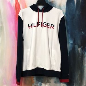 Tommy Hilfiger Hooded Sweater.
